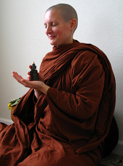 Venerable Ayya Tathaaloka, Theri.